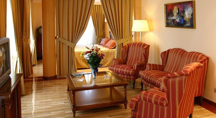 The Sercotel Guadiana Hotel also has five junior suites with ...